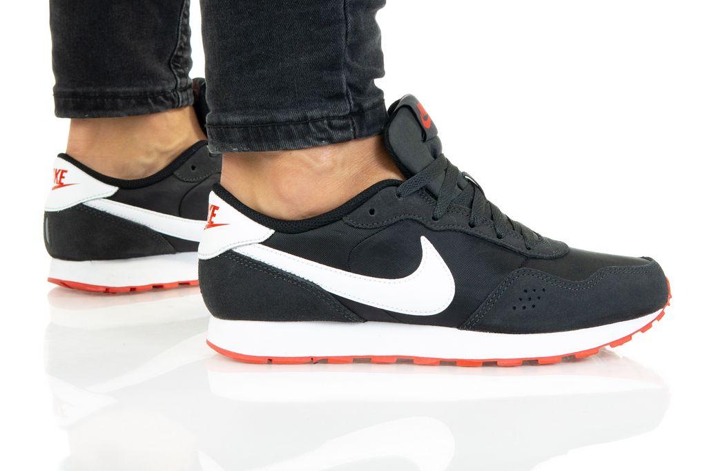 Nike MD VALIANT (GS) CN8558-016